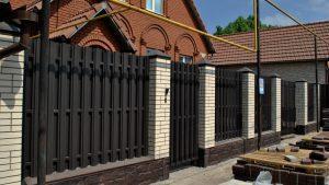 строительство заборов в Москве под ключ недорого