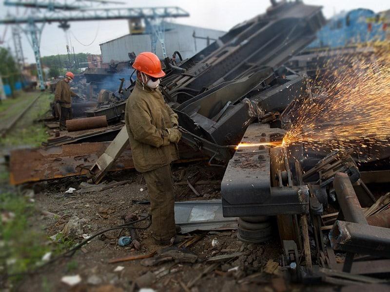 демонтаж металлоконструкций в Москве и Подмосковье. Первая дачная компания